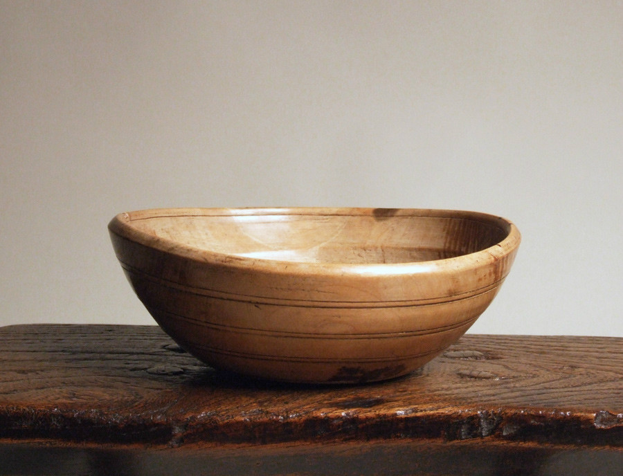 Welsh turned treen bowl
